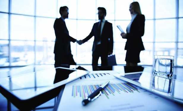 שלושה יועצי השקעות - לימודי ייעוץ השקעות