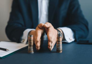 ערימות מטבעות מופרדות לתיאור דילול מניות